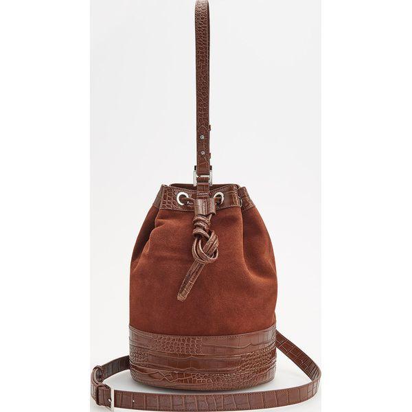 d0a0d329a6f25 Skórzana torebka typu worek - Brązowy - Torebki klasyczne damskie ...