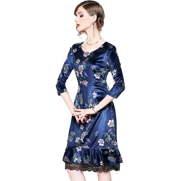 d137084068 Sukienka w kolorze granatowym ze wzorem - Niebieskie sukienki ...