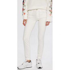 1c3b38c35e5f5 Wyprzedaż - jeansy damskie marki Calvin Klein Jeans - Kolekcja ...
