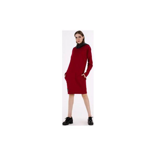 3e8009612c Sukienka z kominem kapturem Czerwona - Sukienki damskie marki Sthorm ...