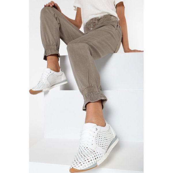 Białe Buty Sportowe Ianatheis