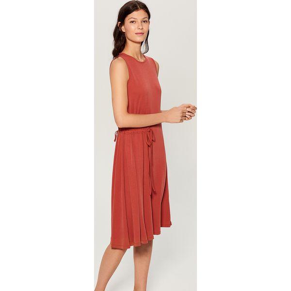 d52d1c425e Sukienka midi z wiązaniem w talii - Brązowy - Sukienki damskie marki ...
