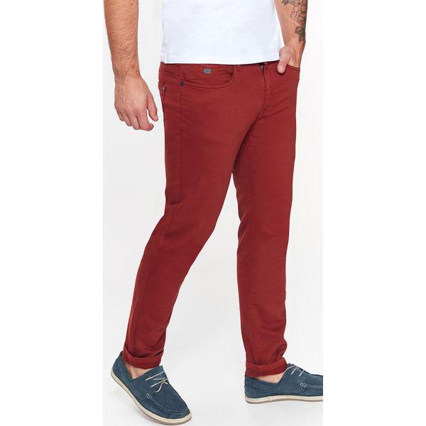 79b67def7f97b SPODNIE MĘSKIE GŁADKIE Z PIĘCIOMA KIESZENIAMI O KROJU SLIM - Spodnie  materiałowe męskie marki TOP SECRET. W wyprzedaży za 49.99 zł.