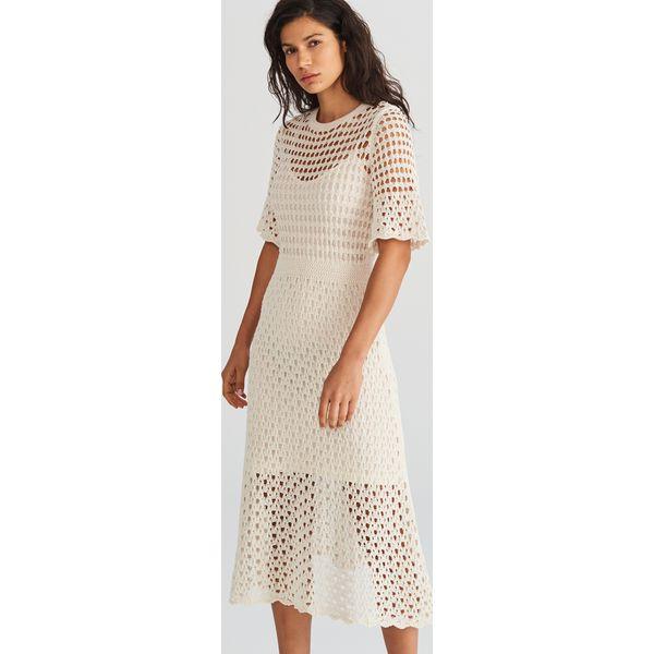 68be778841 Ażurowa sukienka midi - Kremowy - Sukienki damskie marki Reserved ...