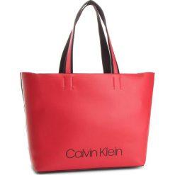 bbd5a10ff1 Torebka CALVIN KLEIN - Collegic Shopper K60K604457 626. Shopper bag damskie  marki CALVIN KLEIN.