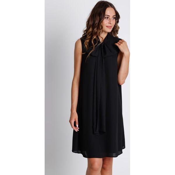 ed9d5db192501c Czarna sukienka z szarfą na dekolcie BIALCON - Sukienki damskie ...