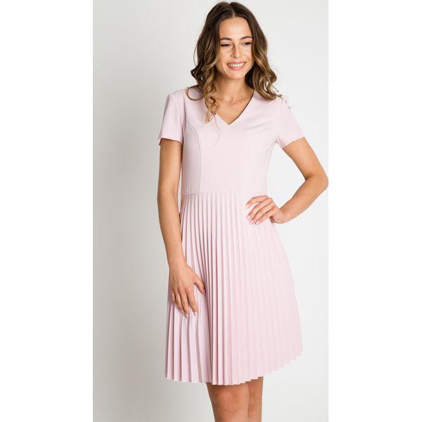 0a955540dc Pudrowa sukienka z plisowanym dołem BIALCON - Sukienki damskie marki ...
