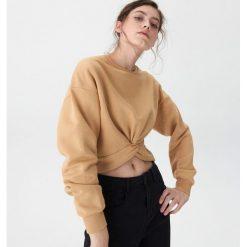 75ec2f3bffd285 ... sklepu House - Kolekcja lato 2019. -50%. Bluza z ozdobnym węzłem -  Kremowy. Białe bluzy bez kaptura damskie House, l.