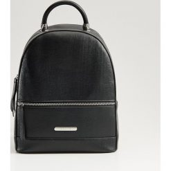 22152eaa72c52 Elegancki plecak z uchwytem - Czarny. Plecaki damskie marki Mohito. Za  119.99 zł.