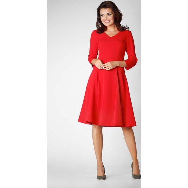 6d252b1f41 Czerwona Wizytowa Rozkloszowana Sukienka na Stójce z Dekoltem V ...