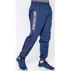 d66734112716a Nike Sportswear - Spodnie. Spodnie sportowe męskie marki Nike Sportswear. W  wyprzedaży za 229.90