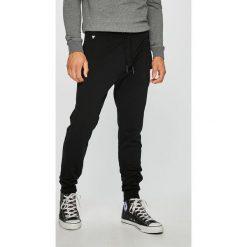 2b7ddb6882b8 Wyprzedaż - spodnie materiałowe męskie marki Guess Jeans - Kolekcja ...