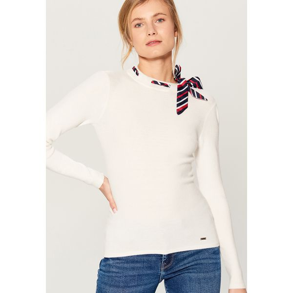 aeee2bd9 Sweter z kokardą - Kremowy
