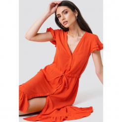 0ab0f59b73 Sukienki damskie ze sklepu NA-KD - Kolekcja wiosna 2019. Trendyol  Asymetryczna sukienka ...