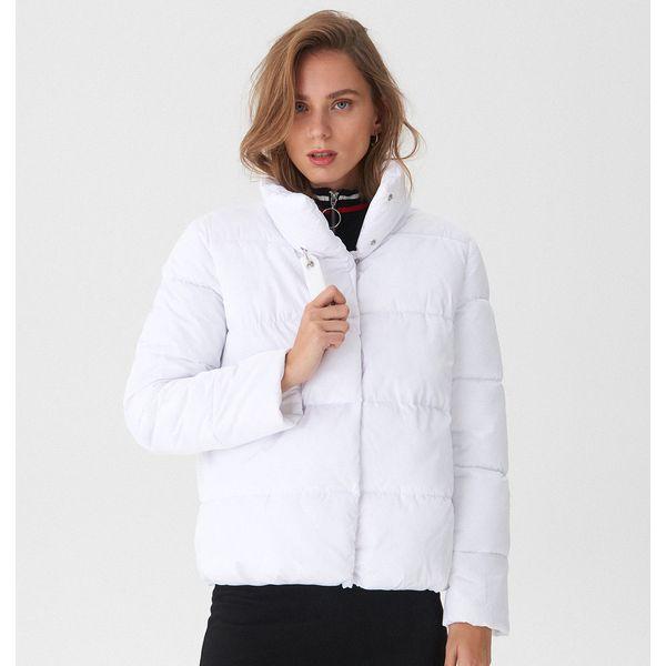 425725254e Pikowana kurtka z wysokim kołnierzem - Biały - Kurtki damskie marki ...