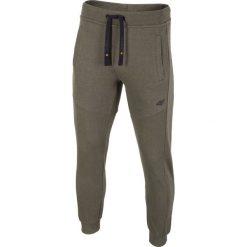 78b347001 Wyprzedaż - spodnie dresowe męskie ze sklepu 4F - Kolekcja lato 2019 ...