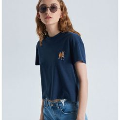 68d80f0bdd16fe Kobieta ze sklepu Cropp - Kolekcja lato 2019 - Sklep Super Express