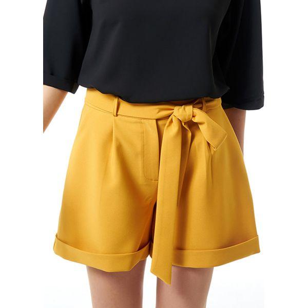 9bb9f16d229a10 Szorty w kolorze żółtym - Szorty damskie Jimmy Sanders. W wyprzedaży ...