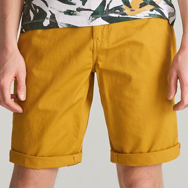 e069206e52e7c4 Bawełniane szorty - Żółty - Żółte szorty męskie Reserved, bez wzorów ...