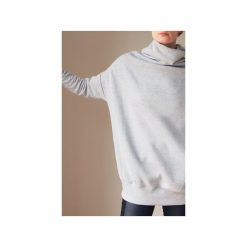8e7c354dea46fd Beżowy golf buka bluza oversize. Bluzy bez kaptura damskie One mug a day. Za