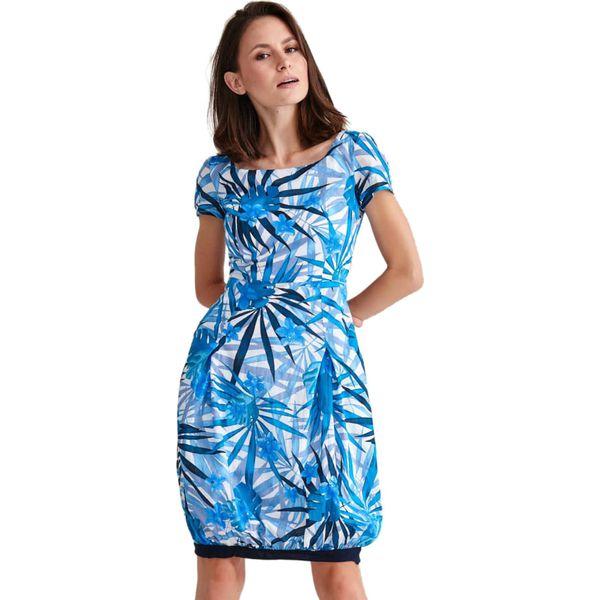 849c7d24 Sukienka w kolorze niebieskim ze wzorem