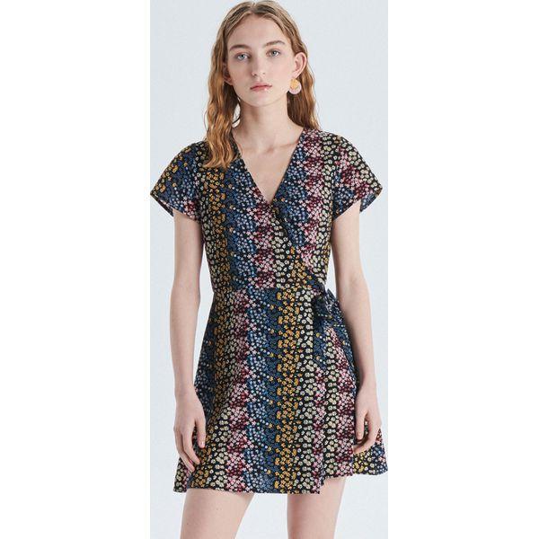 c49fb6aa543d3d Wyprzedaż - sukienki damskie marki Cropp - Kolekcja lato 2019 - Sklep Super  Express