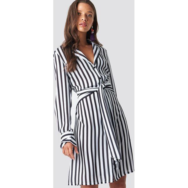 e1ed977b2afbe NA-KD Classic Sukienka w paski z wiązaniem - Black,White - Sukienki ...