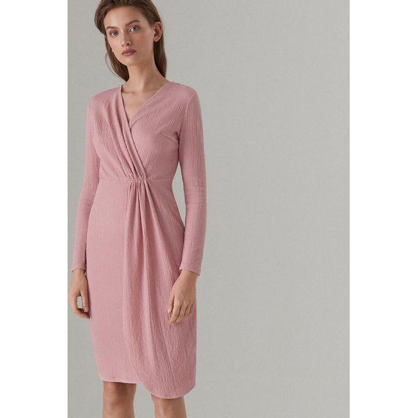 3f15ae6c7b Kopertowa midi sukienka - Różowy - Sukienki damskie marki Mohito. Za ...