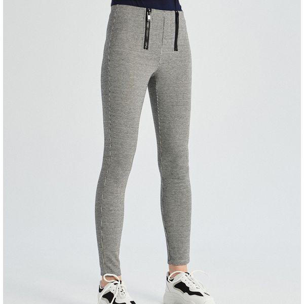 af5e89c46f1184 Wyprzedaż - spodnie i legginsy damskie marki Sinsay - Kolekcja lato 2019 -  Sklep Super Express