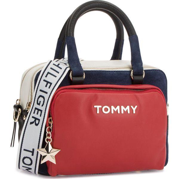 72d70ab68b4e7 Torebka TOMMY HILFIGER - Corp Highlight Duffl AW0AW05722 901 - Torebki  klasyczne damskie marki Tommy Hilfiger. W wyprzedaży za 769.00 zł.