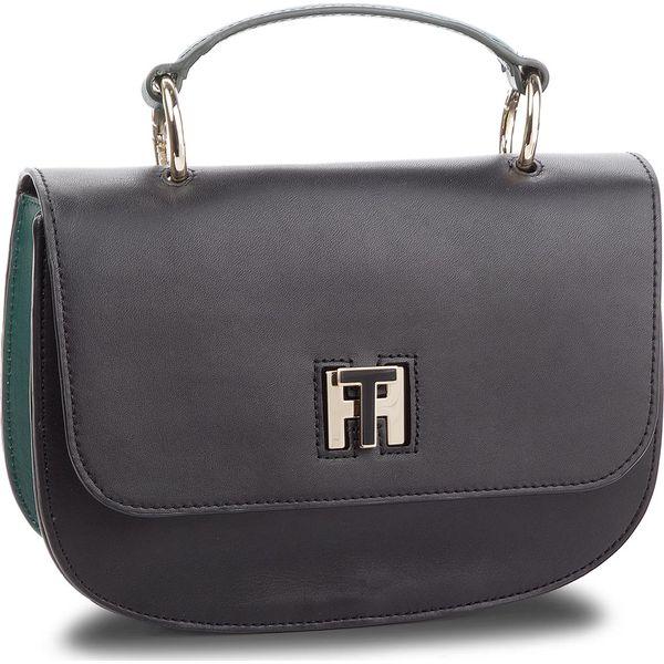 8355fc858e5fd Torebka TOMMY HILFIGER - Th Twist Leather Med AW0AW05726 901 ...