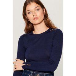 1b5a1c935ae45c Dopasowany sweter - Niebieski. Swetry klasyczne damskie Mohito. W  wyprzedaży za 39.99 zł.