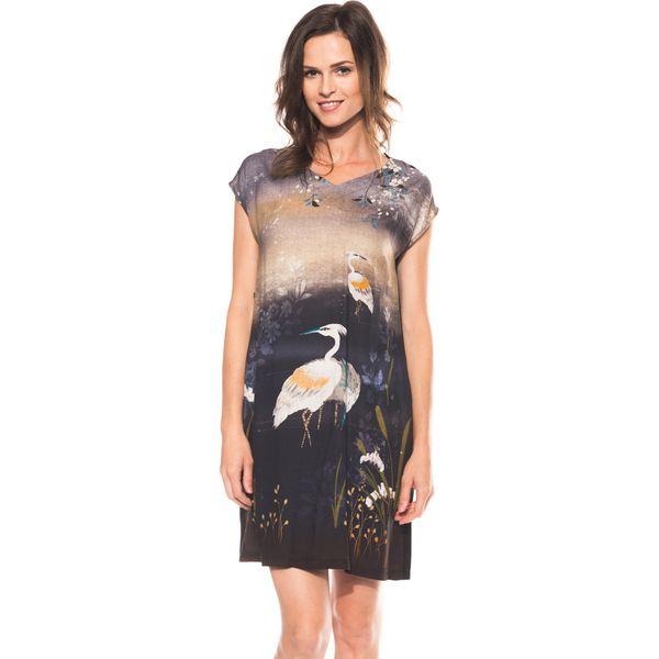 870eb88d5c Sukienka we wzory z dekoltem w literkę V BIALCON - Sukienki damskie ...