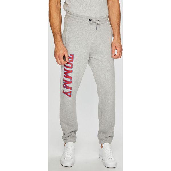 783166324e4f3 Tommy Jeans - Spodnie - Spodnie materiałowe męskie marki Tommy Jeans. W  wyprzedaży za 239.90 zł. - Spodnie materiałowe męskie - Spodnie męskie -  Odzież ...