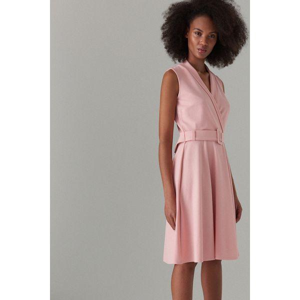 145cdc7dd3 Rozkloszowana sukienka z paskiem - Różowy - Sukienki damskie marki ...