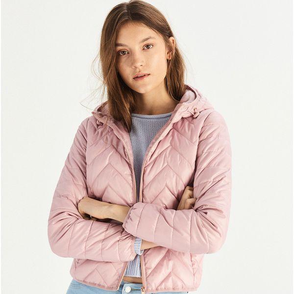 f9ff547990c802 Pikowana kurtka z kapturem - Różowy - Kurtki damskie Sinsay. W ...