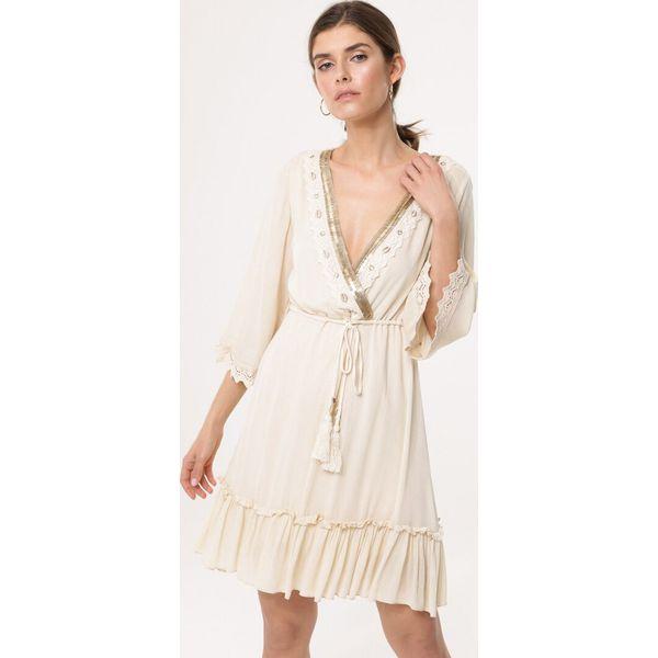 d75bca02 Beżowa Sukienka Alloy