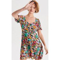 3631caf510 Sukienki damskie letnie w kwiaty - Sukienki damskie - Kolekcja ...