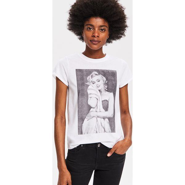 265413a99ae2e4 T-shirt Marilyn Monroe - Biały - T-shirty damskie Reserved. Za 29.99 zł. - T -shirty damskie - T-shirty i topy damskie - Odzież damska - Kobieta - Sklep  ...