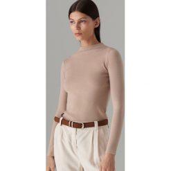 55fa618e0adfe0 Dopasowany sweter z półgolfem - Beżowy. Brązowe swetry klasyczne damskie  Mohito, l, bez
