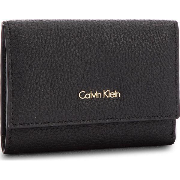 f82115461eb15 Mały Portfel Damski CALVIN KLEIN - Cosmopolitan Medium K60K603912 ...