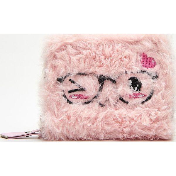d19140ae41aa0 Portfel - Różowy - Portfele damskie marki Cropp. W wyprzedaży za ...