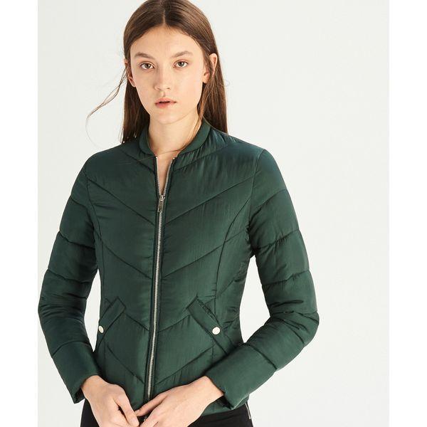 4f885adb60ca0 Pikowana kurtka - Khaki - Kurtki damskie marki Sinsay. W wyprzedaży ...