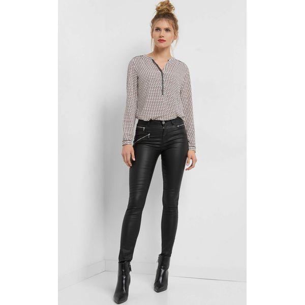 196b4cbec23df Woskowane spodnie z zamkami - Czarne spodnie materiałowe damskie ...