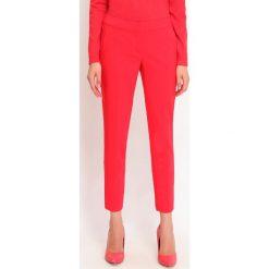 4bcc44125fa418 Czerwone spodnie materiałowe damskie TOP SECRET, bez wzorów, biznesowe