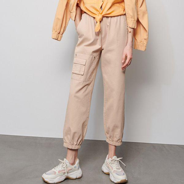 Spodnie jogger z paskiem Beżowy