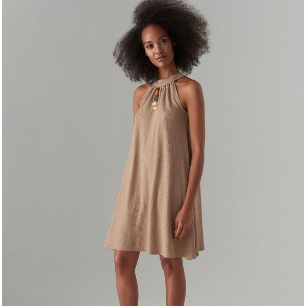 37cf8591b1 Sukienka z biżuteryjnym detalem - Fioletowy - Sukienki damskie marki ...
