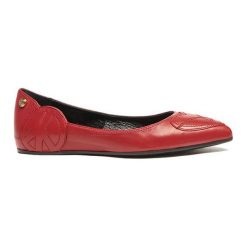 Baleriny w kolorze czerwonym. Baleriny damskie marki Love Moschino. W  wyprzedaży za 439.95 zł d0b6d3ab90