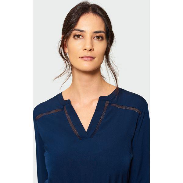 ddd7733adb3b92 Granatowa bluzka z ozdobną mereżką - Bluzki damskie Greenpoint. Za ...
